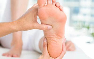 ¿Qué son los pies cavos? Síntomas y consecuencias.